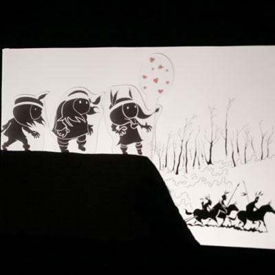 Petit Théâtre d'Ombres Anuki tiré de la bande dessinée Anuki, le coup du lapin de Frédéric Maupomé et Stéphane Sénégas, éd. de la Gouttière
